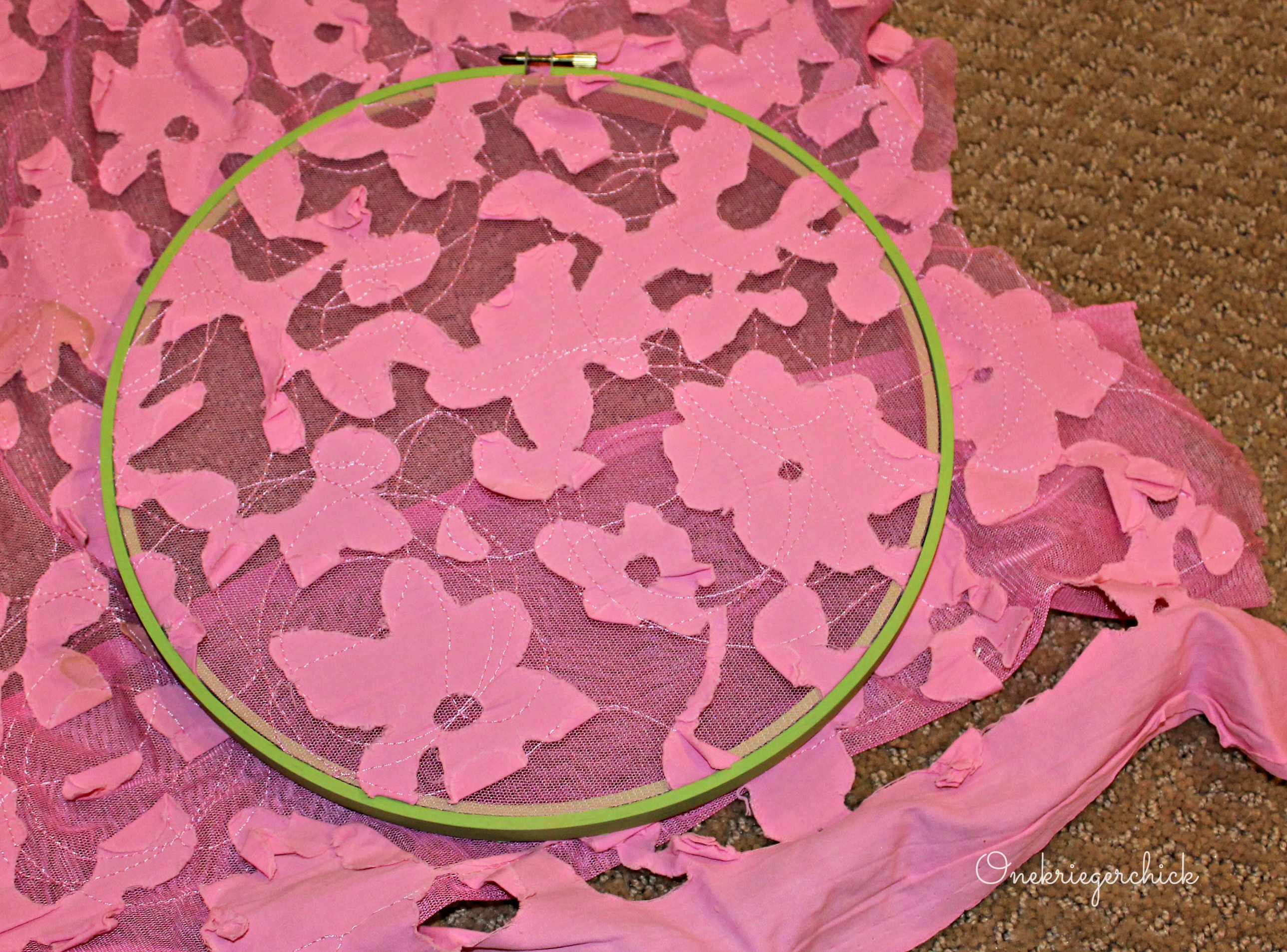fabric and hoop {Onekriegerchick.com}