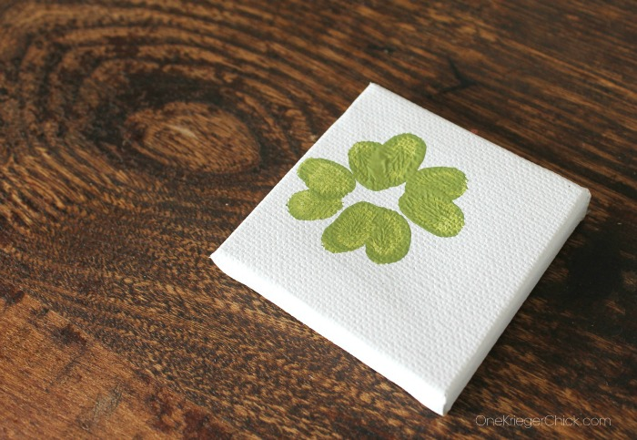 Fingerprint Shamrock- kids art- OneKriegerChick.com