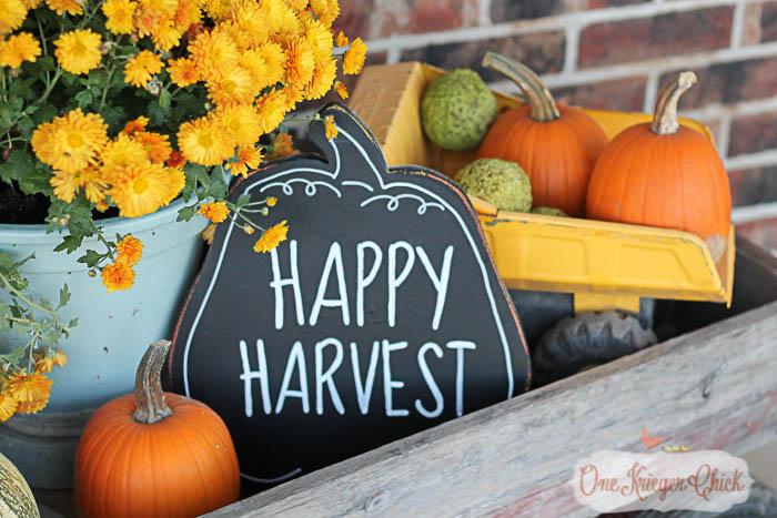 Happy Harvest Reversible Chalkboard Fall Sign- OneKriegerChick.com